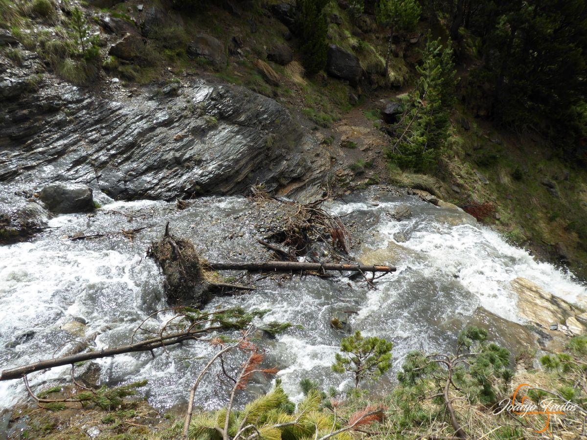P1140130 - Ruta Las Tres Cascadas de Cerler con mucha agua
