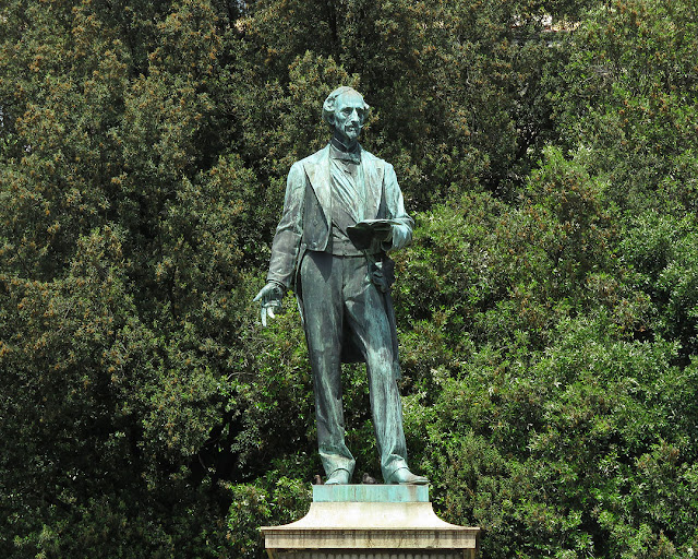 Bettino Ricasoli by Augusto Rivalta, Piazza dell'Indipendenza, Florence