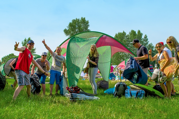 Dreamville offers you the possibility of c&ing together with a group of 10 friends. The Friendship Garden package reserves a special area for you at the ... & Friendship Garden Tomorrowland - Anguro Canguro
