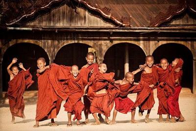 Resultado de imagen de niño tibetano jugando
