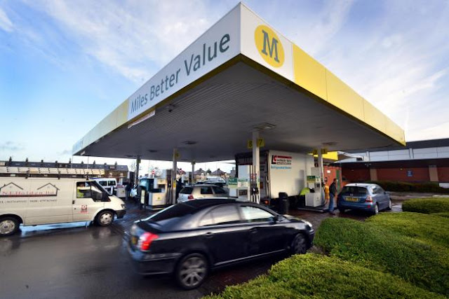 Morrisons cuts fuel price to under £1 a litre for store shoppers
