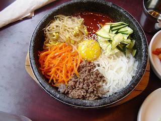 6 Makanan Khas Korea Selatan : Kimchi, Bulgogi, Bibimbap, Jajangmyeon, Miyeok Guk, Sannakji DLL