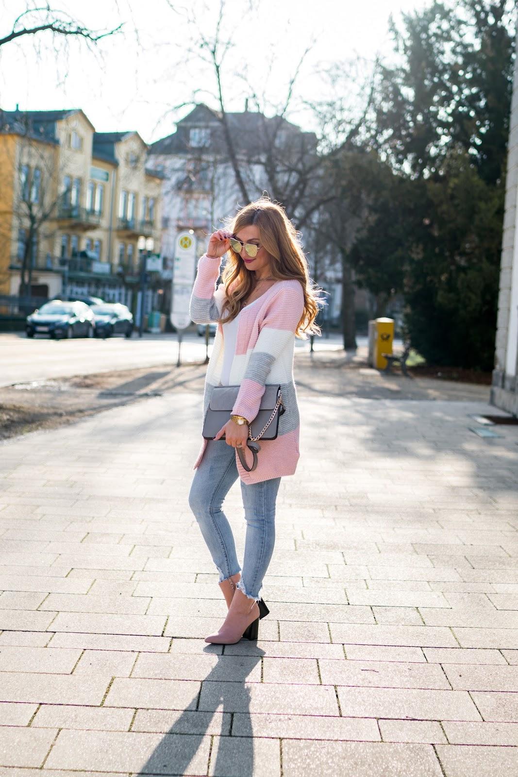Strick-strick-pullover-pastell-töne-trend-im-frühling-was-ist-aktuell-im-trand-chloe-tasche-fashionstylebyjohanna-blogger-aus-frankfurt