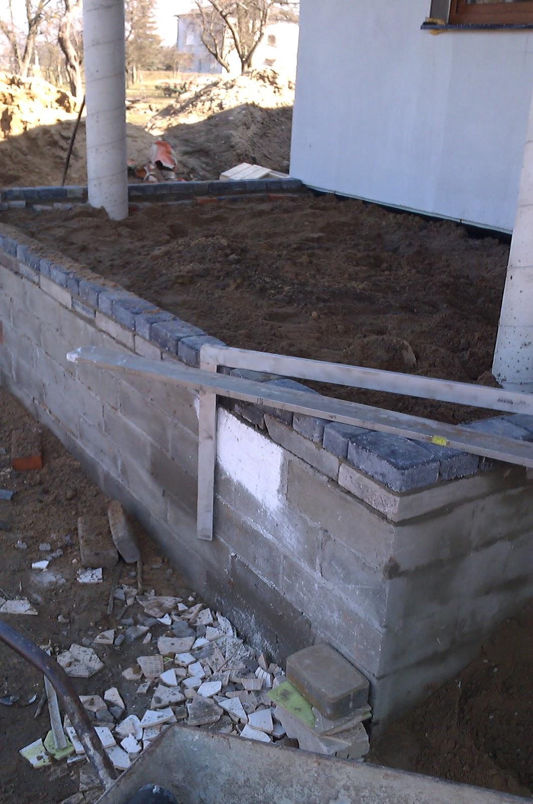 """""""Dom z historią C258"""" Moje cztery ściany : Taras i schody"""