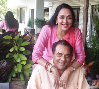 Hema Malini, Biography, Profile, Biodata, Family , Husband, Son, Daughter, Father, Mother, Children, Marriage Photos.