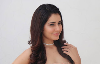 Raashi Khanna New Hairstyle Locks