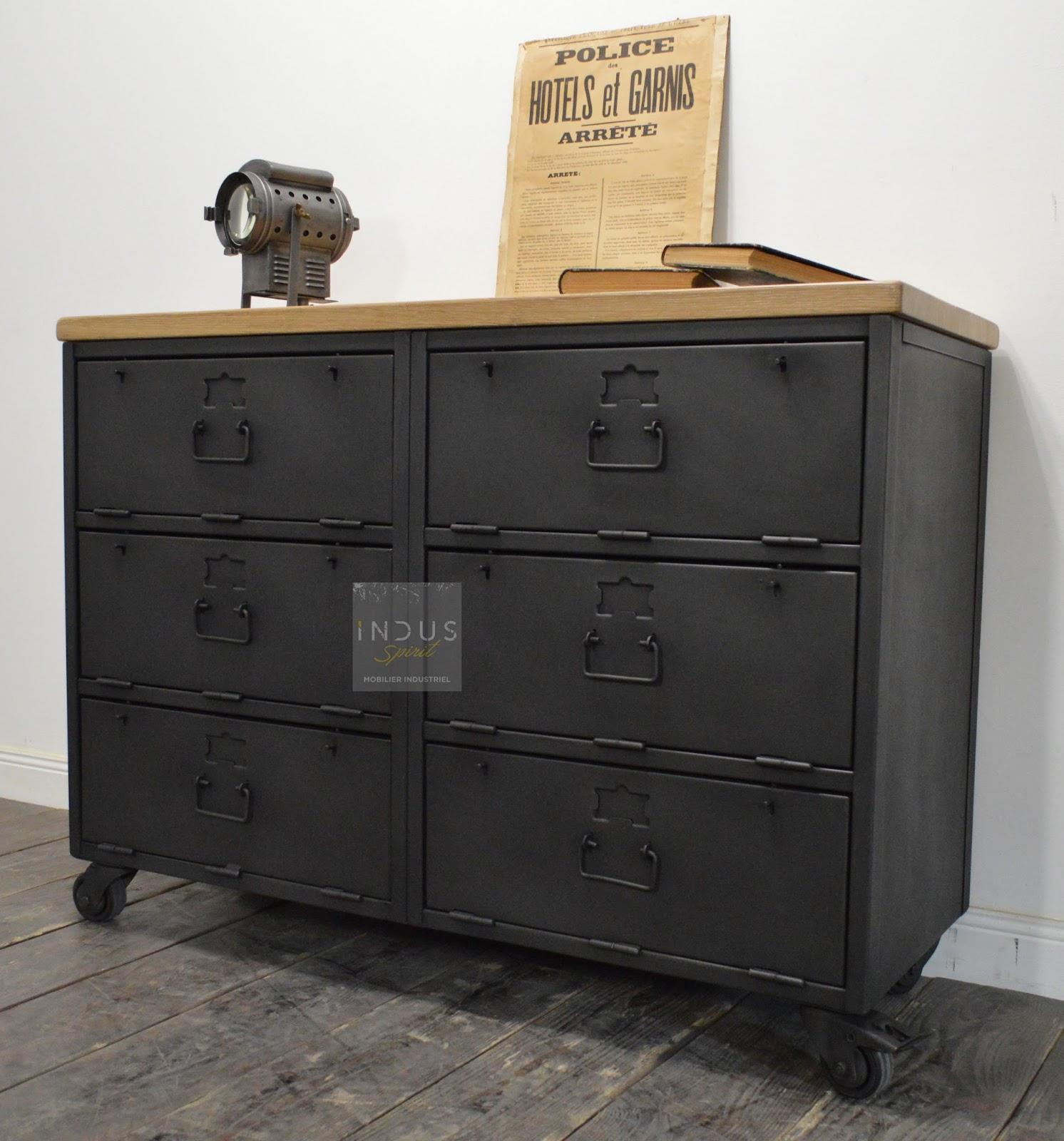 Meuble industriel d coration industrielle meuble de for Buffet salon industriel