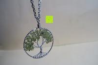 Anhänger hängt: JOVIVI Edelstein Chakra-Anhänger Baum des Lebens Anhänger Pandent mit 56cm Kette,Lebensbaum Halskette für Damen Herren