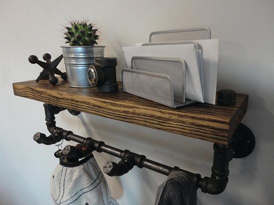 contoh ambalan kayu dengan pipa besi bekas