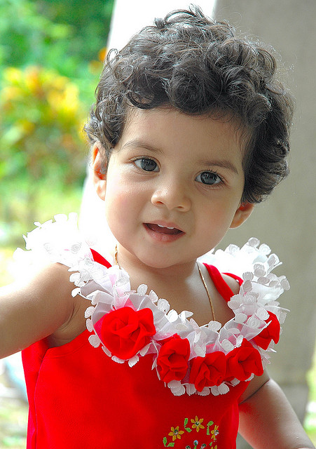 Cute Small Girl Wallpapers For Facebook Cute Baby Pictures Daily Indian Baby Pictures And Funny