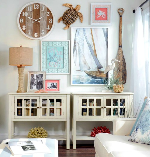 Coastal beach cottage wall decor ideas gallery walls for Shore house decorating ideas