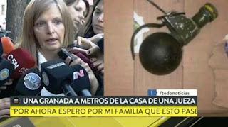 """La granada fue hallada dentro de una caja de cartón en el contenedor ubicado en la calle Roseti al 1000, a tres cuadras de la estación de trenes de la línea Urquiza. Tomó intervención la Policía Metropolitana, que instruyó actuaciones por """"intimidación pública""""."""