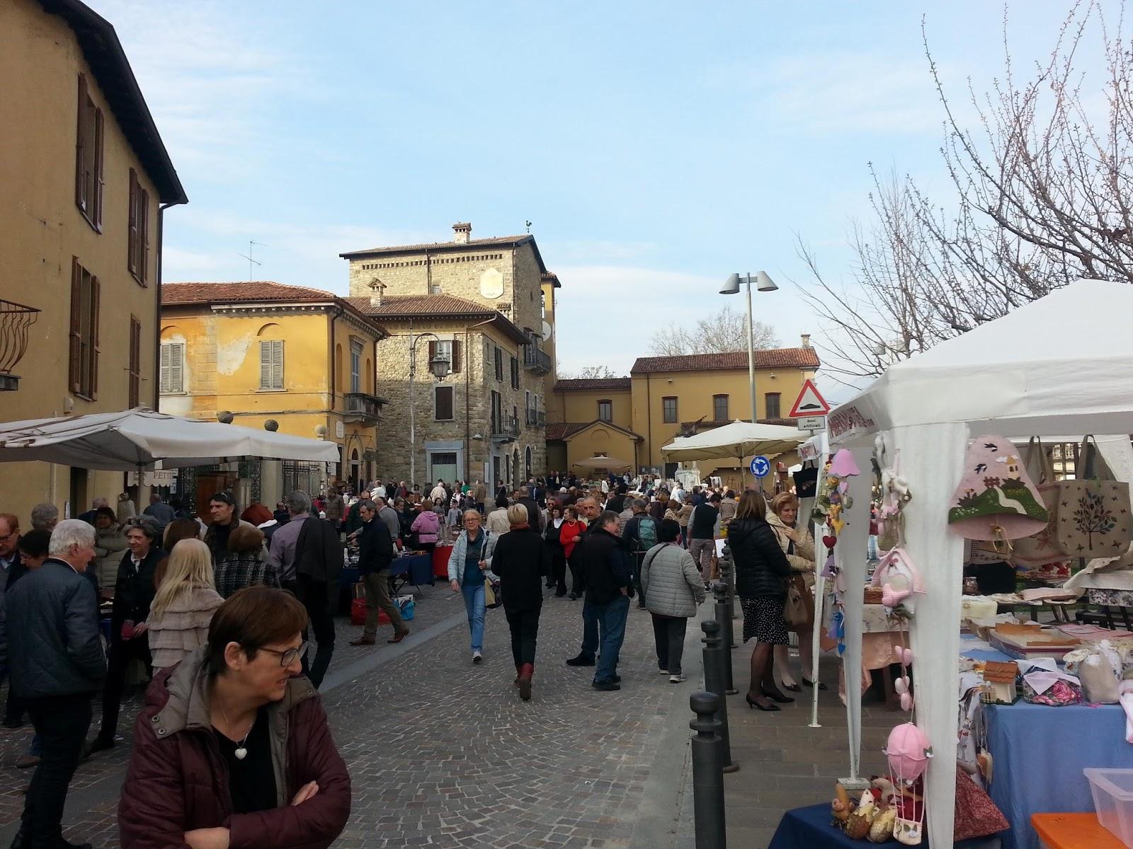 Artecarlacolombo mercatino dell 39 antico ad imbersago - Mercatino imbersago ...