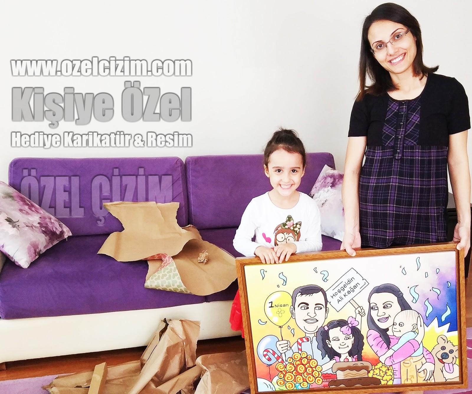 aile karikatürü, Doğum günü hediyesi, eşinize hediye, Hamilelik hediyesi, Hediye Karikatür, Karikatür Çizimleri, karikatür portre, komik doğum günü hediyesi, komik hediye, Özel Çizim,