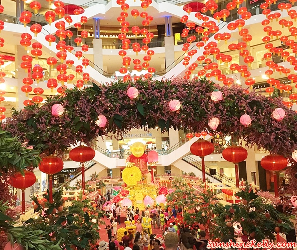 Feast of Longevity, Pavilion KL, CNY 2016, Auspicious Golden Monkey, Orang Orang Drum Theatre, the Grand Lou Sang, Gift of happiness, prosperity, longevity, cny mall decor