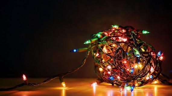 download besplatne Božićne pozadine za desktop 2560x1440 čestitke blagdani Merry Christmas svjećice za bor