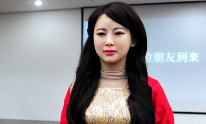 robot wanita cantik