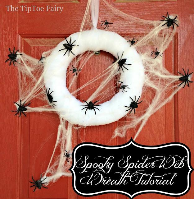 #DIY Spooky Halloween Spider Web Wreath | The TipToe Fairy #halloween