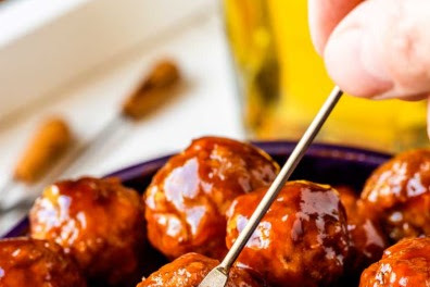 CROCK POT GRAPE JELLY MEATBALLS