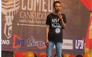 pertama kali open mic stand up