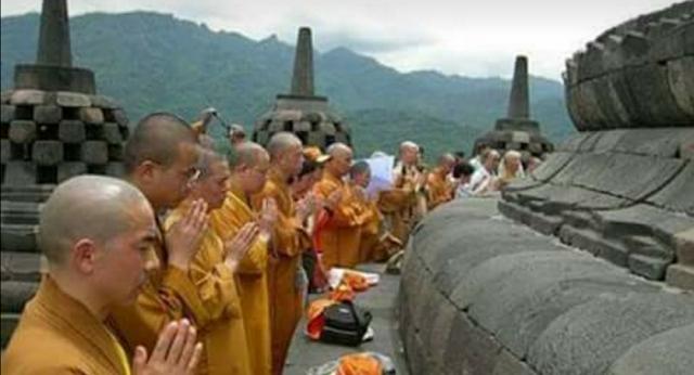 Wahai Umat Budha Indonesia, Demi Allah Kalian tidak Akan Kami Bantai