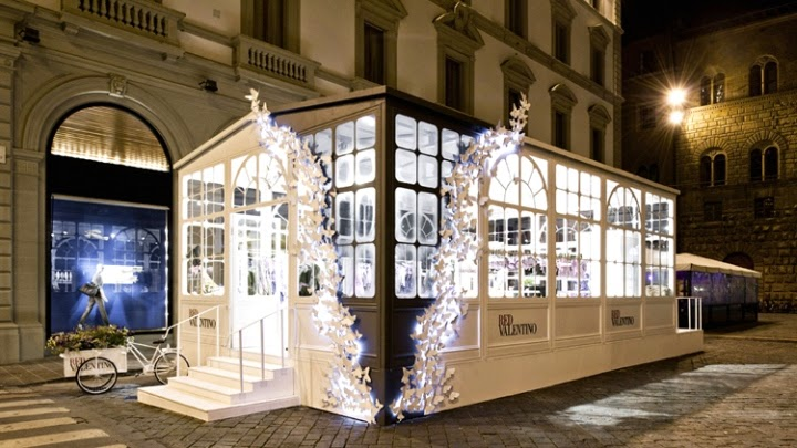the shop locator red valentino pop up store florence. Black Bedroom Furniture Sets. Home Design Ideas