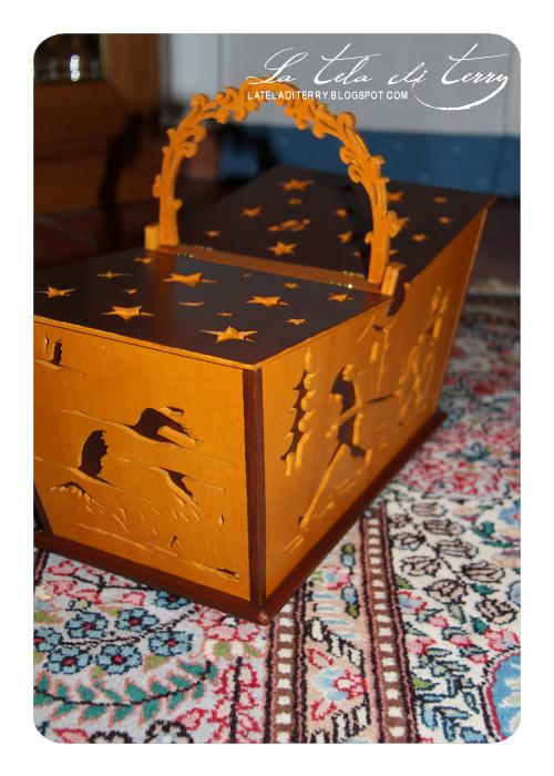 La tela di terry cesto in legno traforato stile giapponese for Legno giapponese