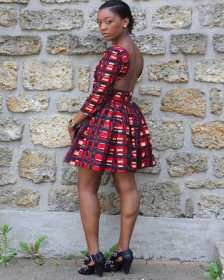 vestido rojo corto con estampado africano