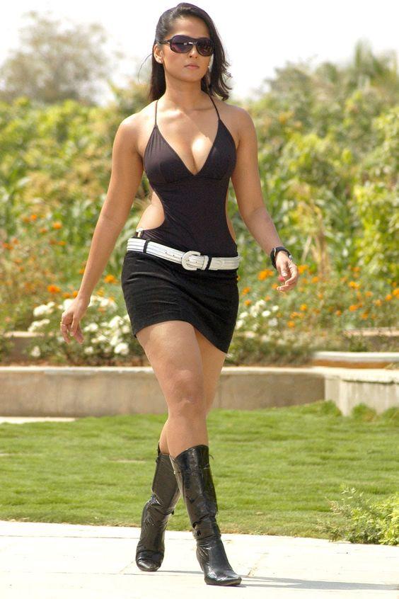 Anushka Shetty bikini in billa
