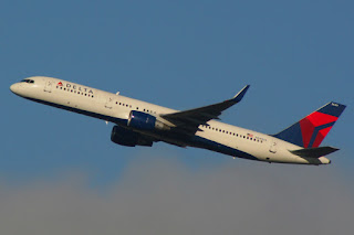 Delta Air Lines jet departing Sea-Tac International Airport (SEA)