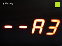 Alarm 3: kwmobile Wecker Digital Uhr aus Holz mit Geräuschaktivierung, Temperaturanzeige und Tastaktivierung
