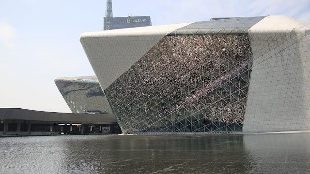 7. Guangzhou Opera House (2010) di Guangzhou,China