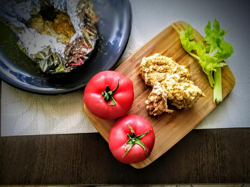 Pieczona pierś z kurczaka w oliwie z oliwek i pieprzu ziołowym