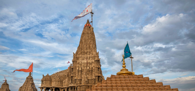 https://travellindia24.blogspot.com/2019/02/holy-temple-of-dwarka.html