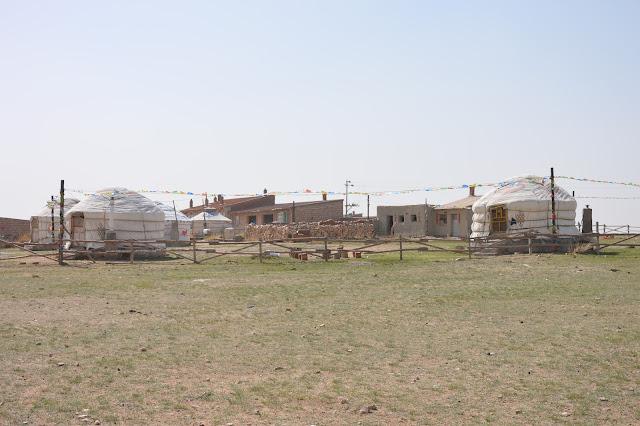 Camp de base dans les prairies de mongolie intérieure