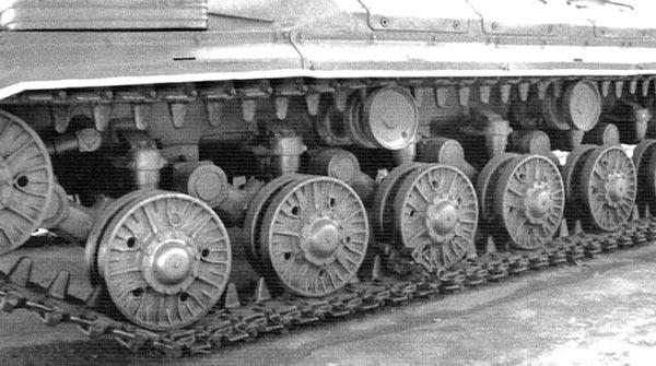 Ходовая часть танка Т-10М