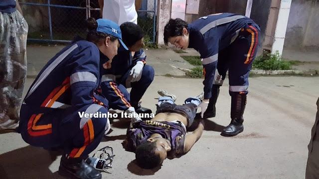 BA: Um morre, e outro fica baleado após tomar moto de assalto em Itabuna