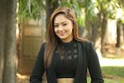 Nikesha Patel latest sizzling photos-thumbnail-1