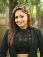 Nikesha Patel latest sizzling photos-cover-photo