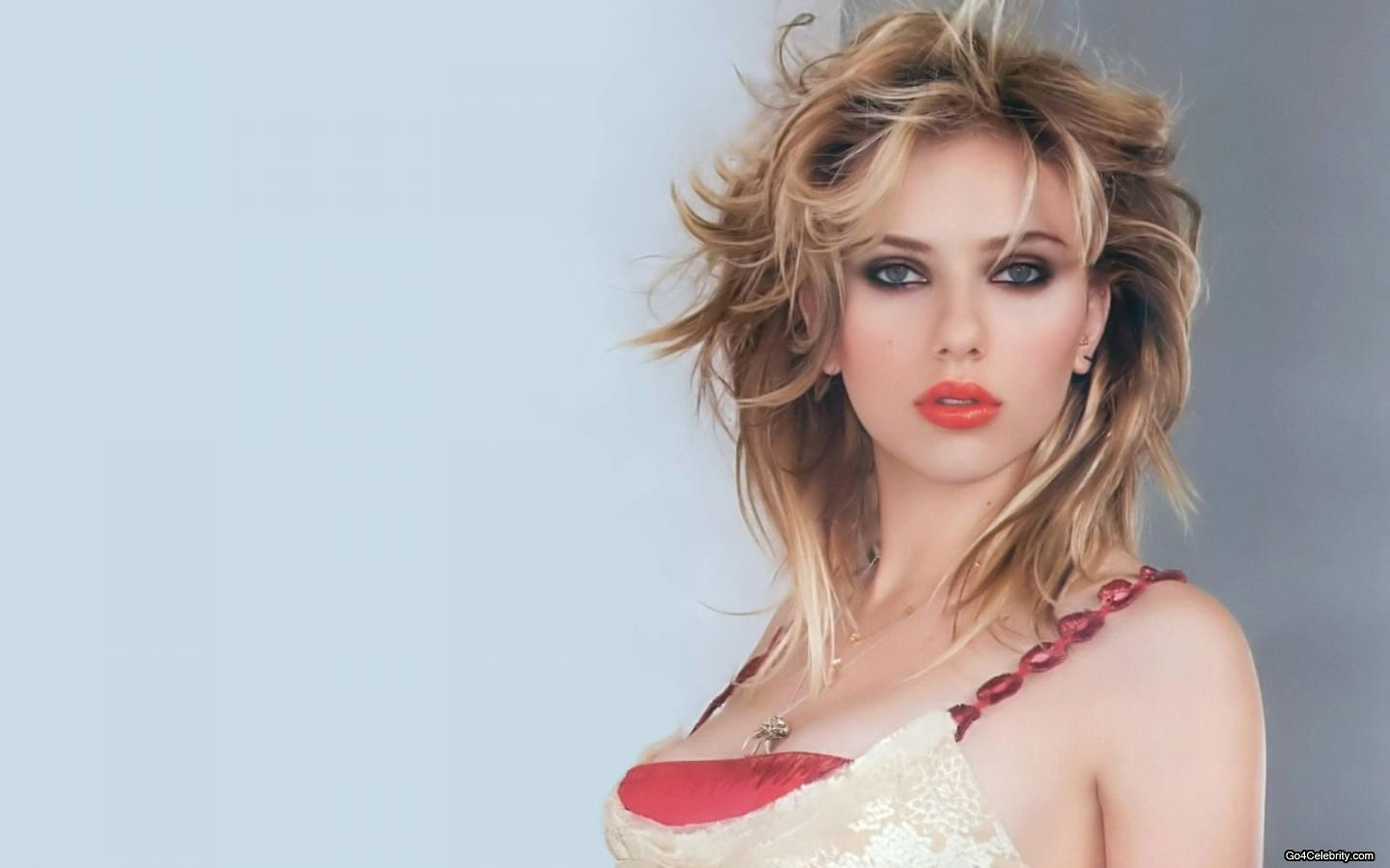 Scarlett Johansson Wallpaper: Fetch Free Wallpapers: Scarlett Johansson Wallpaper Pack 5