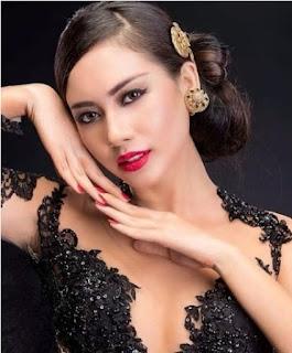Biodata Elvira Devinamira Pemeran Bunga, anak kedua