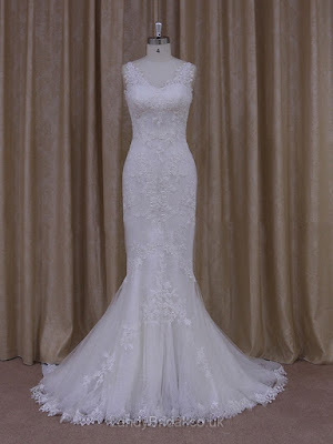 http://www.landybridal.co.uk/v-neck-tulle-appliques-lace-ivory-trumpet-mermaid-newest-wedding-dresses-ldb00021912-855.html