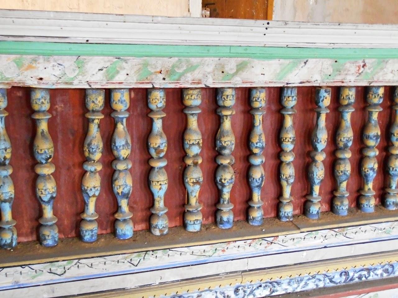 balustrada, tralki, wnętrze kościoła