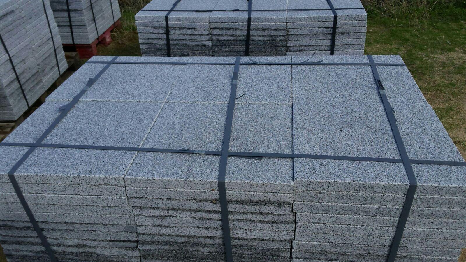 Losas o baldosas granito gris quintana para pavimentos for Baldosas de granito