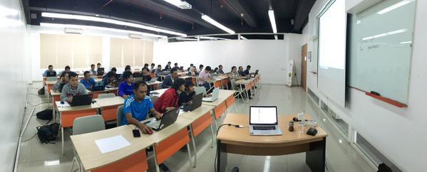 Pengalaman luar biasa dari GDG Dev Fest 2015 di Surabaya | iosinotes.blogspot.com