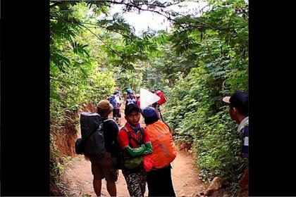 Miris!  Detik-detik Video Pendaki Gunung Kena Pungli, Ditodong Pakai Golok