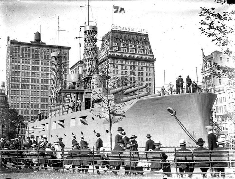 USS Recruit, un acorazado que terminó en medio de Nueva York durante la Primera Guerra Mundial | Estados Unidos