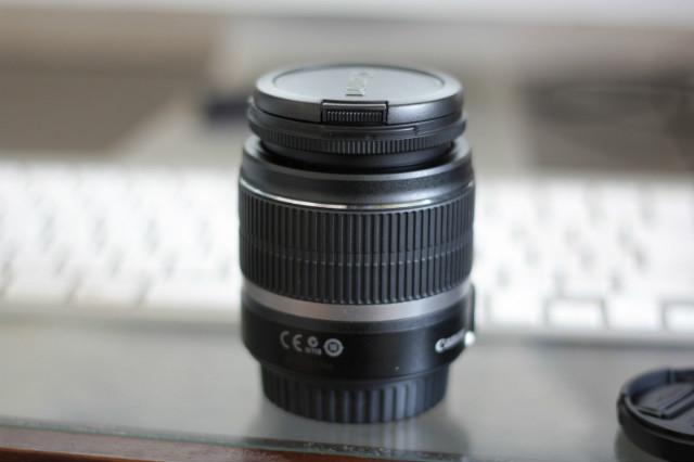 単焦点レンズで撮ったレンズキットのレンズ