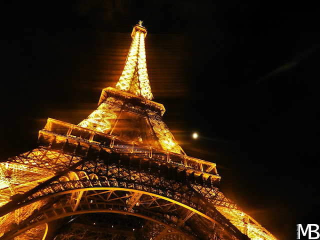 tour eiffel parigi by night