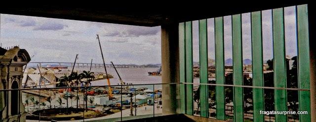 A Praça Mauá e o Museu do Amanhã vistos do MAR - Museu de Arte do Rio